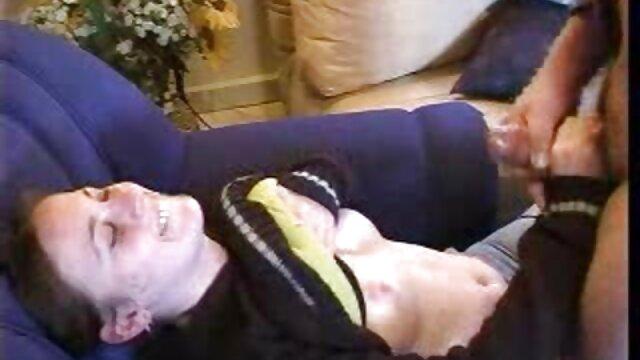 Mala morena recibe un videos latinos caseros duro castigo en la cama