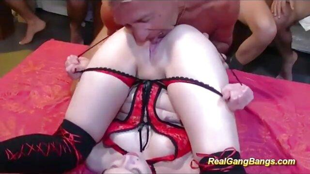 Follan porno duro latino cerca del naranjo