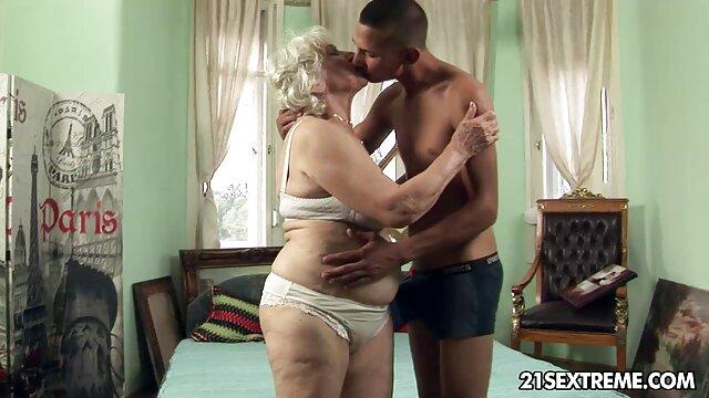 Blondie se caseros latinos xxx folla a su hombre en la cocina