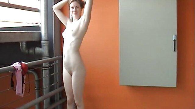 La videos latinos de sexo sirvienta entra en mi