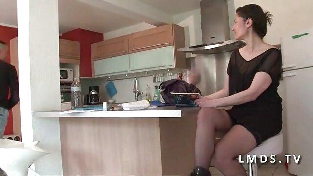 Somking caliente trío porno anime en español latino acción