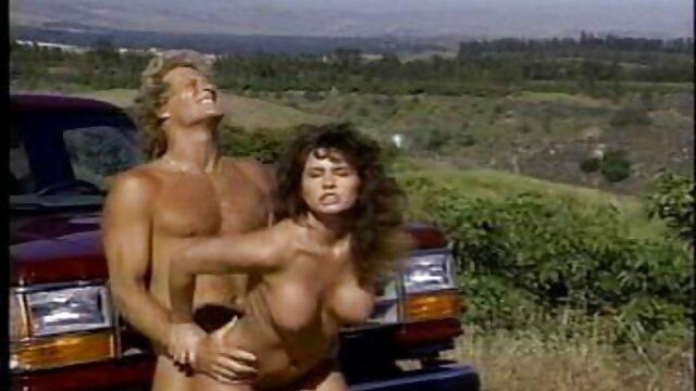 Honey Doll videos de sexo latino 'Akiko'-Vamos a jugar-de PACKMANS