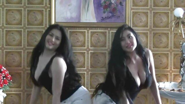 Baile de caderas foxy sexo anal latinos