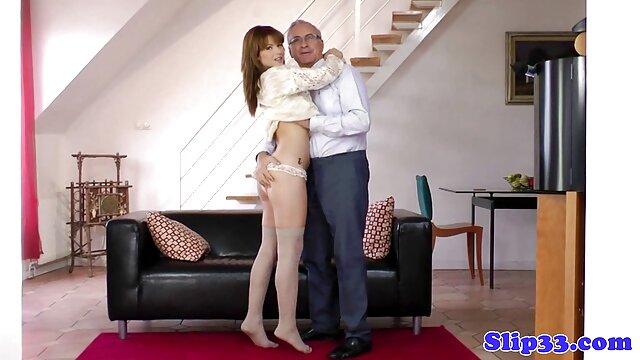 A ella le encanta chupar videos porno en castellano latino